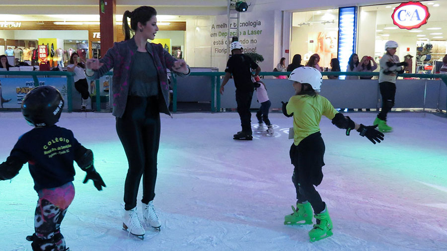camilla-guerra-aula-de-patinação